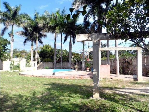 Beautiful country home in Chichi Suarez – Merida