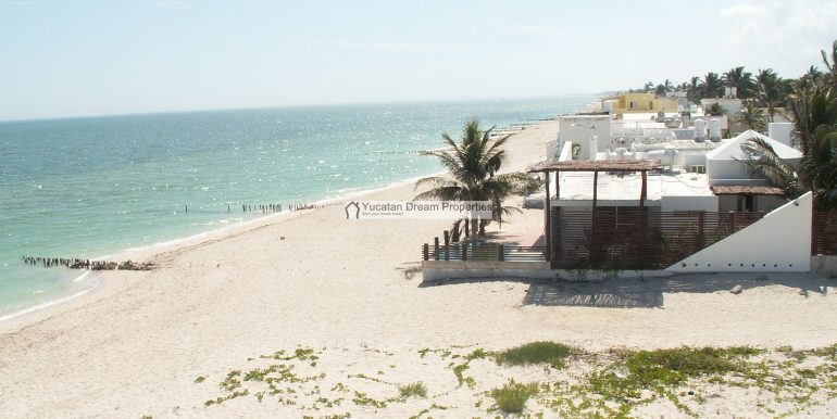 26-Beach-Looking-East-Chelem-Mexico-800x600