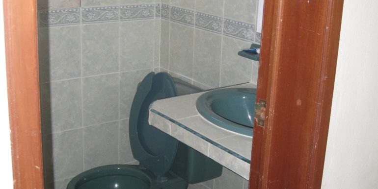 Half_Bathroom