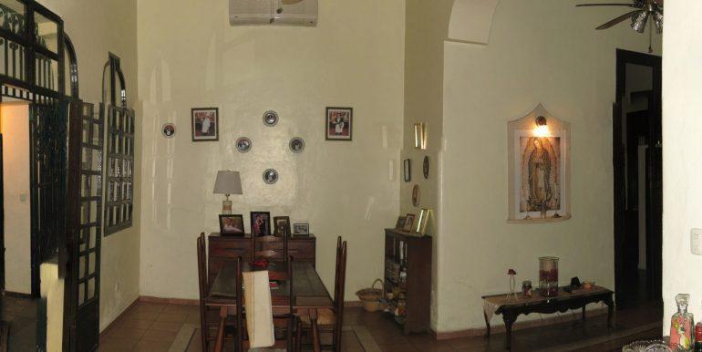 Hallway-3-800x600