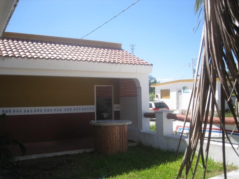 Beach house Chuburna