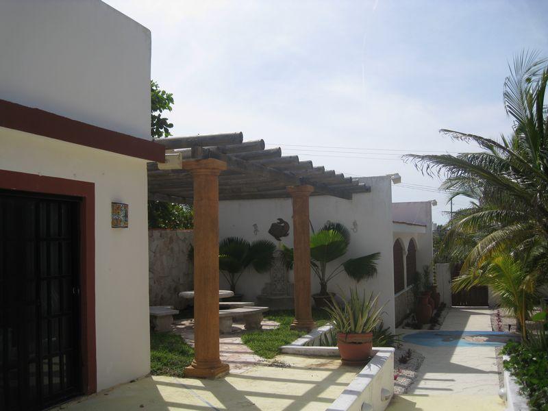The mermaid: Ocean front beach house with pool Chuburna