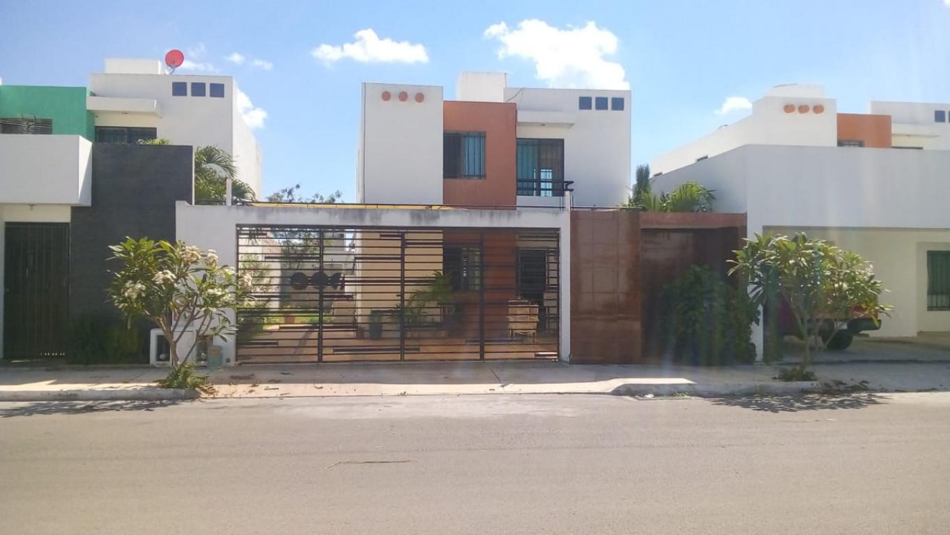 Hermosa casa en venta en fraccionamiento San Esteban
